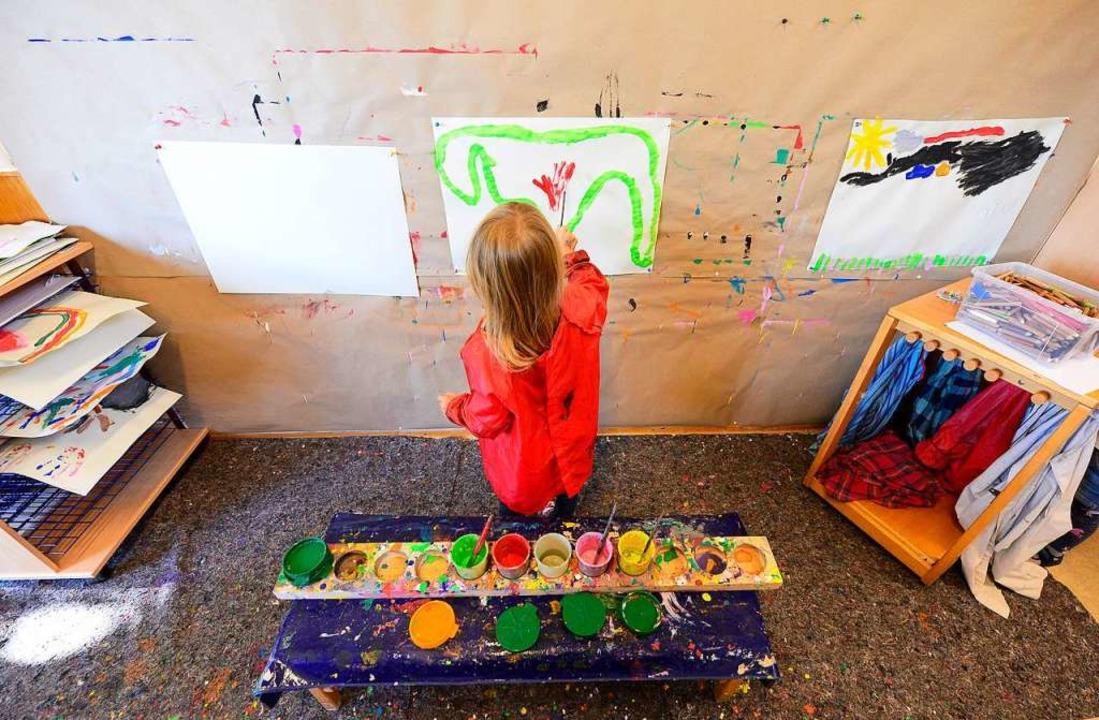 Die Stadt übernimmt auch die Kindergar...ühren für den Monat Juni (Symbolbild).  | Foto: Ingo Schneider