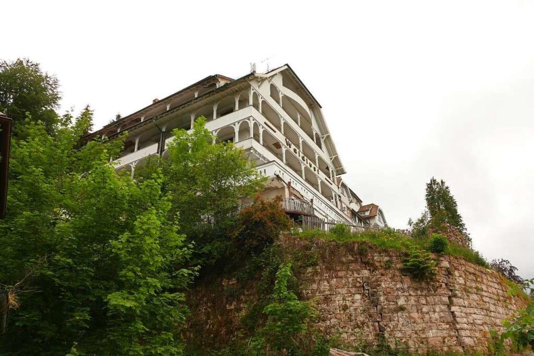 Majestätisch thront das ehemalige Hotel Waldlust über Freudenstadt.  | Foto: Uwe Baumann