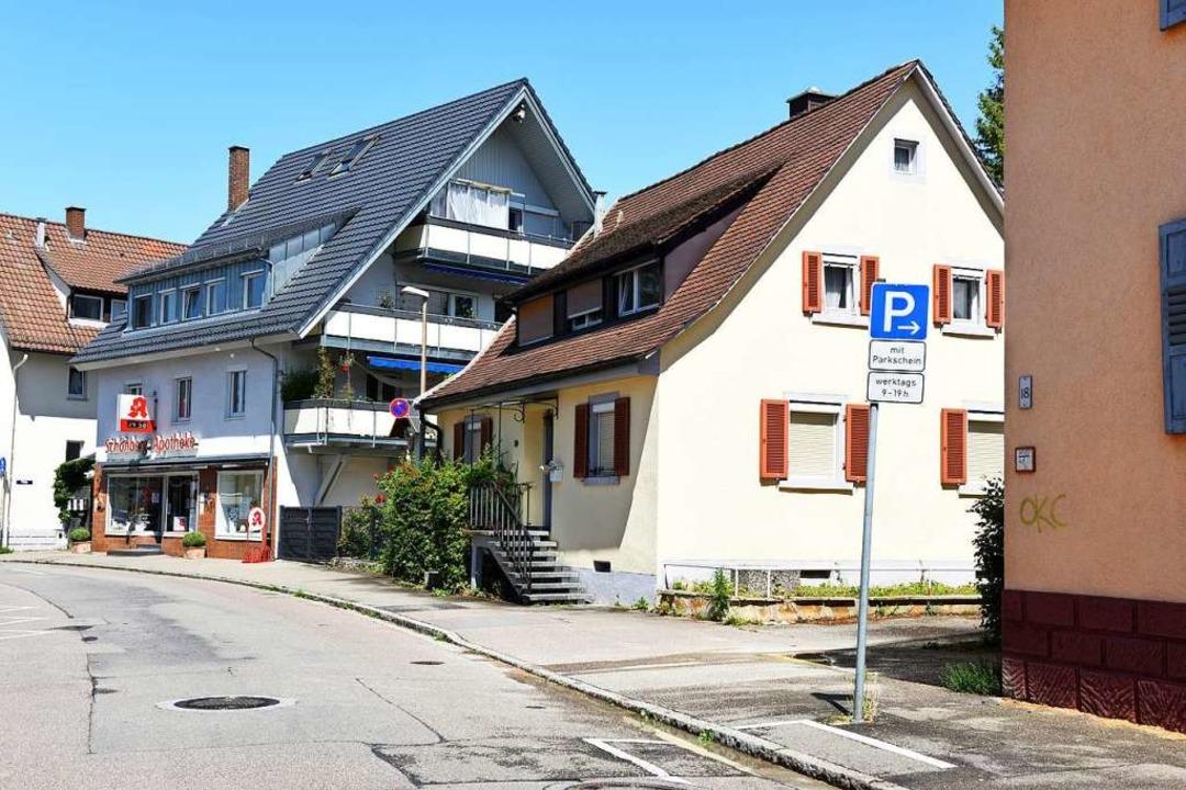 Das Haus Blumenstraße 20, das zwischen... und durch Neubebauung ersetzt werden.  | Foto: Rita Eggstein