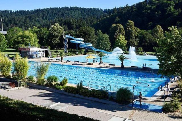 Strandbad-Eröffnung in Freiburg startet mit Abstand und guter Stimmung