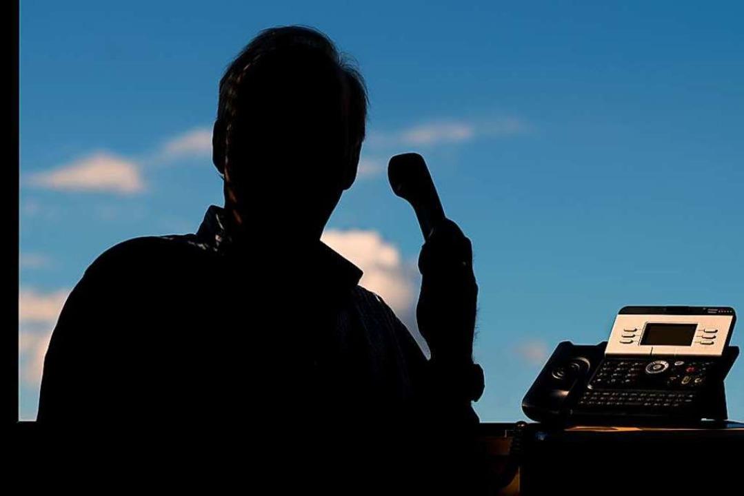 """Die Betrugsmasche """"falscher Poli...8220; ist ein Trend unter Kriminellen.    Foto: Julian Stratenschulte"""