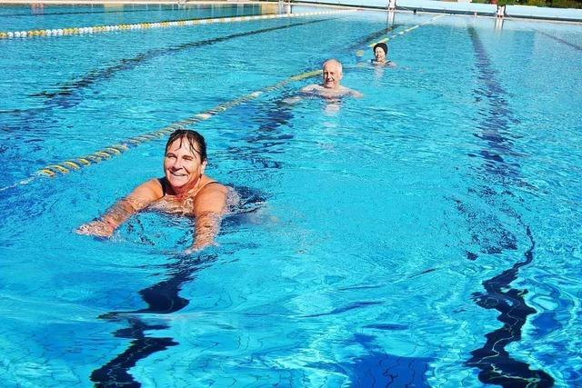 Doppelt zahlen fürs Baden wurmt Frühschwimmer