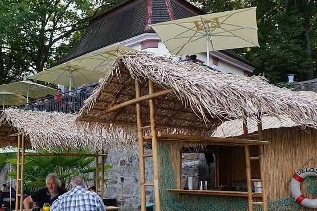 Strandbar nach Vandalismus wieder geöffnet