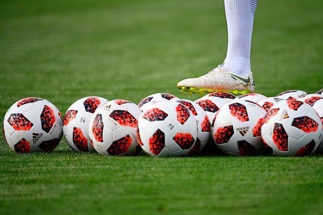 Fußballclubs starten – mit regulärem Training, Testspielen und Zuschauern