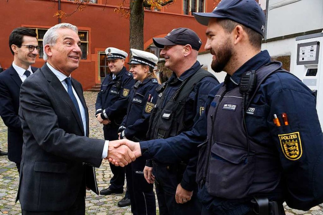 Innenminister Strobl (vorne) und Oberb...Sicherheitspartnerschaft im Jahr 2018.    Foto: Thomas Kunz