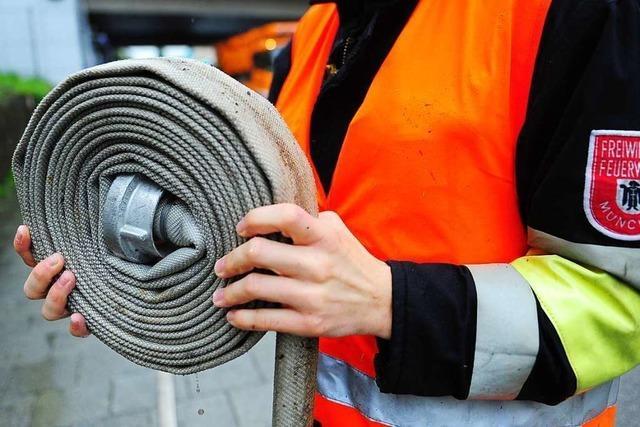 So funktioniert die Schlauchpflegeanlage der Feuerwehr in Schönau