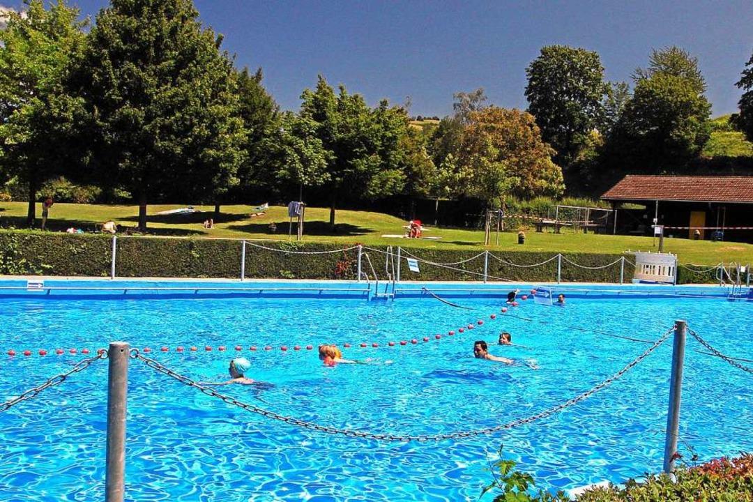 Das Schwimmbecken ist in verschiedene ...men werden darf nur in einer Richtung.  | Foto: Herbert Trogus