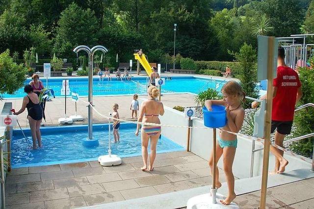 Das Freibad Reichenbach lässt täglich 500 Badegäste zu