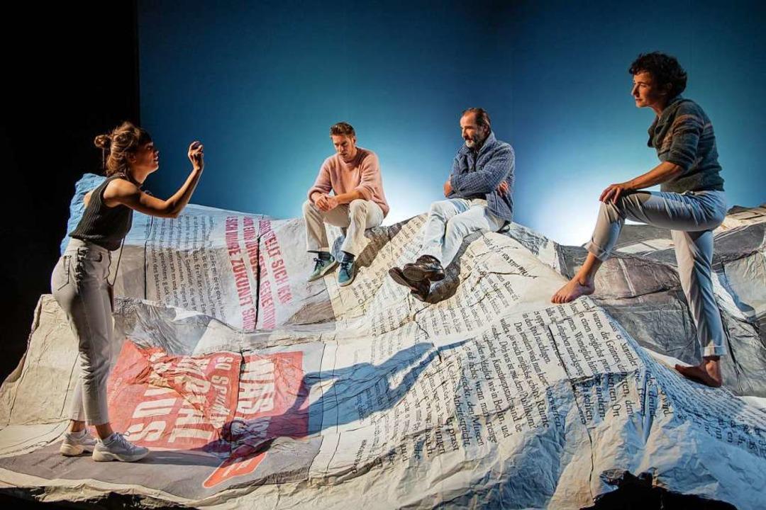 """""""Nur das Beste!"""": Szene mi...Hohner, Henry Meyer und Elisabeth Kopp    Foto: Laura Nickel"""