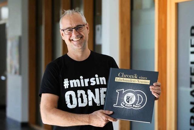 Der TuS Ottenheim veröffentlicht seine Vereinschronik zum hundertjährigen Bestehen