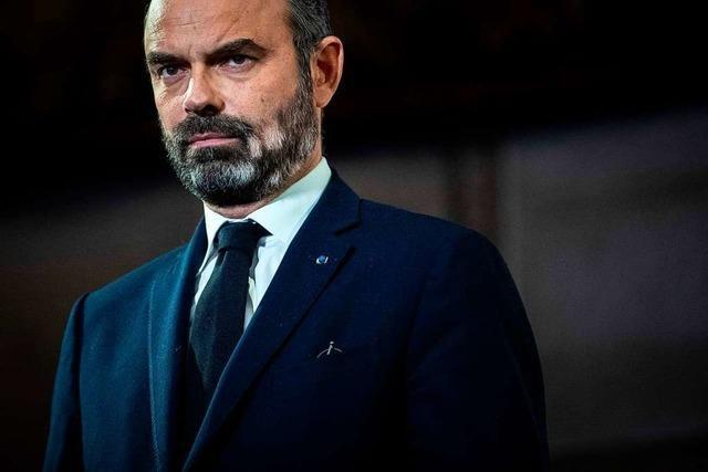 Frankreichs Regierung reicht Rücktritt ein - Macron nimmt an