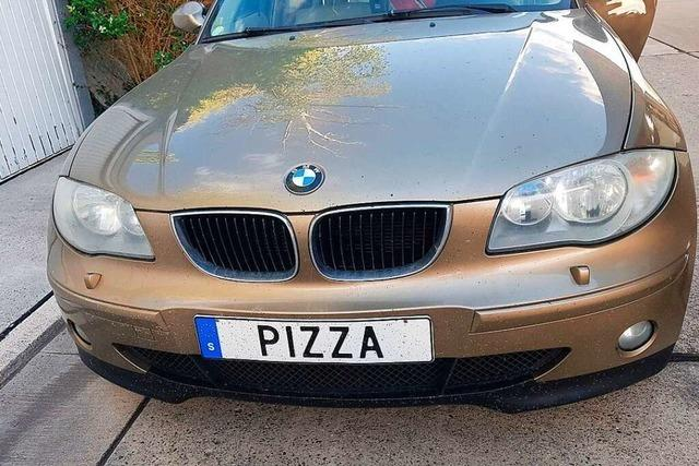 Schwede fährt mit PIZZA-Kennzeichen durch die Ortenau