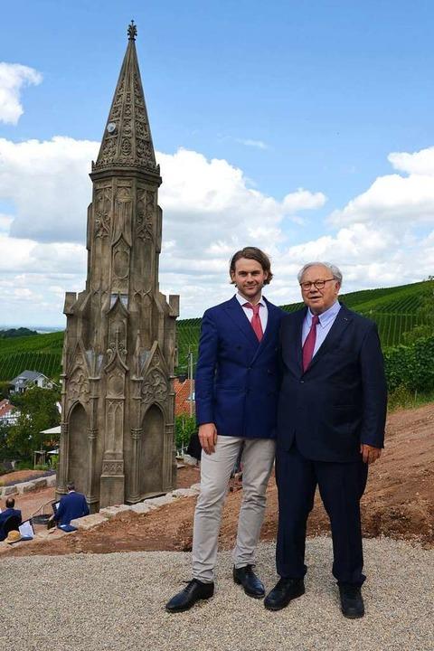 Verleger Hubert Burda (rechts) mit Soh...kmal für Verleger Senator Franz Burda.  | Foto: Axel Bleyer für Hubert Burda Media