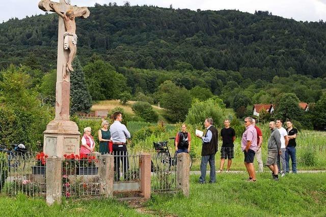 Das Wegkreuz bei Heiligenzell wird saniert