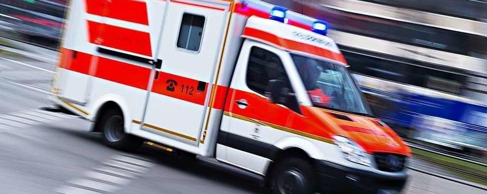 Motorradfahrerin wird schwer verletzt