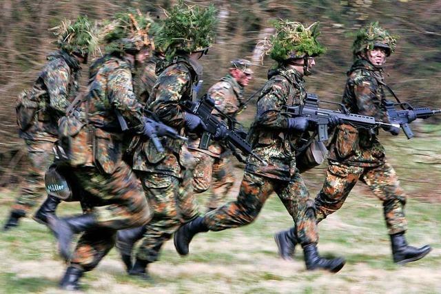 Comeback der Wehrpflicht - auch als Mittel gegen Rechts?