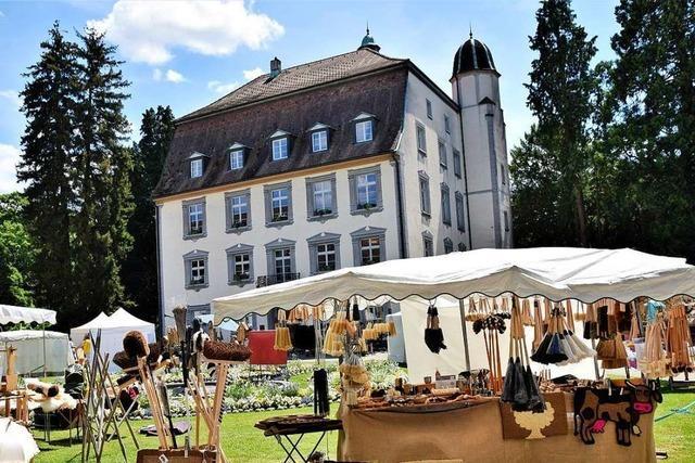 Kunst- und Handwerkermarkt zieht viele Besucher an