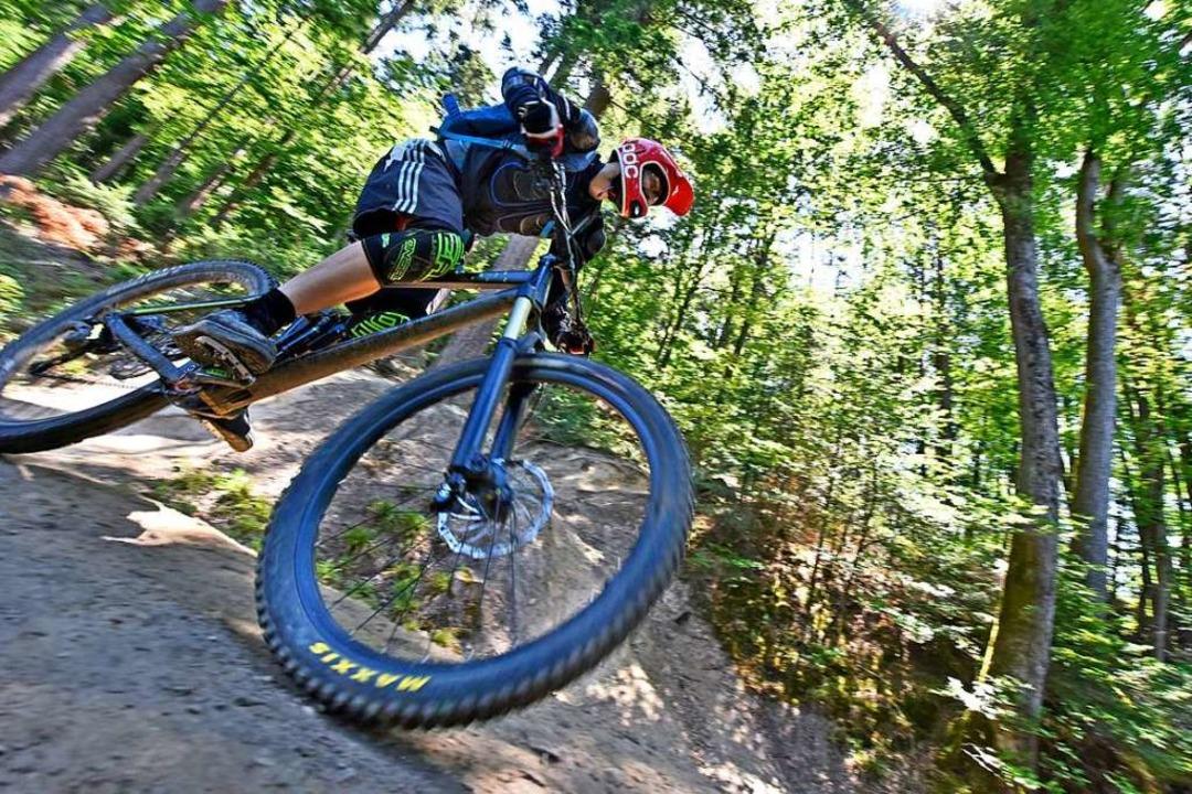 Nicht  nur Südbadener,   auch Mountain...n Land schätzen die Freiburger Trails.  | Foto: Michael Bamberger