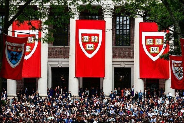 Ausländern droht bei Online-Semester an US-Unis Ausweisung