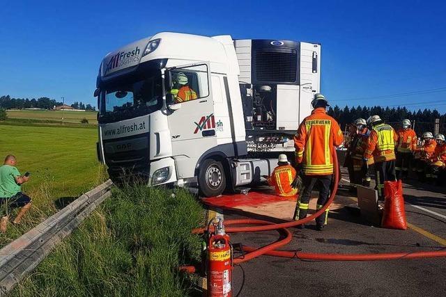 B31 im Schwarzwald nach Lastwagenunfall wieder frei