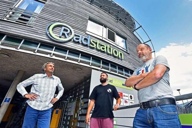 Mieter der Freiburger Radstation beklagen mangelnde Unterstützung durch Stadtbau