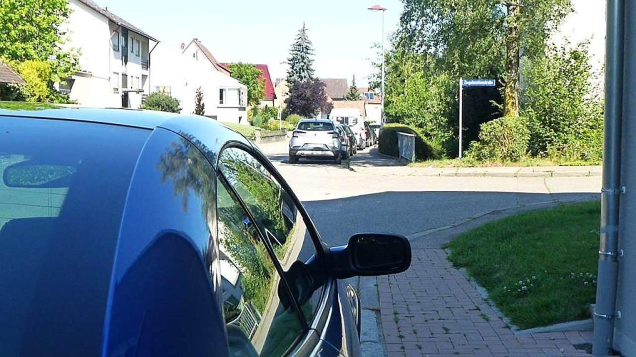 Das Parken in der Schwarzwaldstraße wi...chaftlichen Verkehr werden geschaffen.    Foto: Andrea Gallien