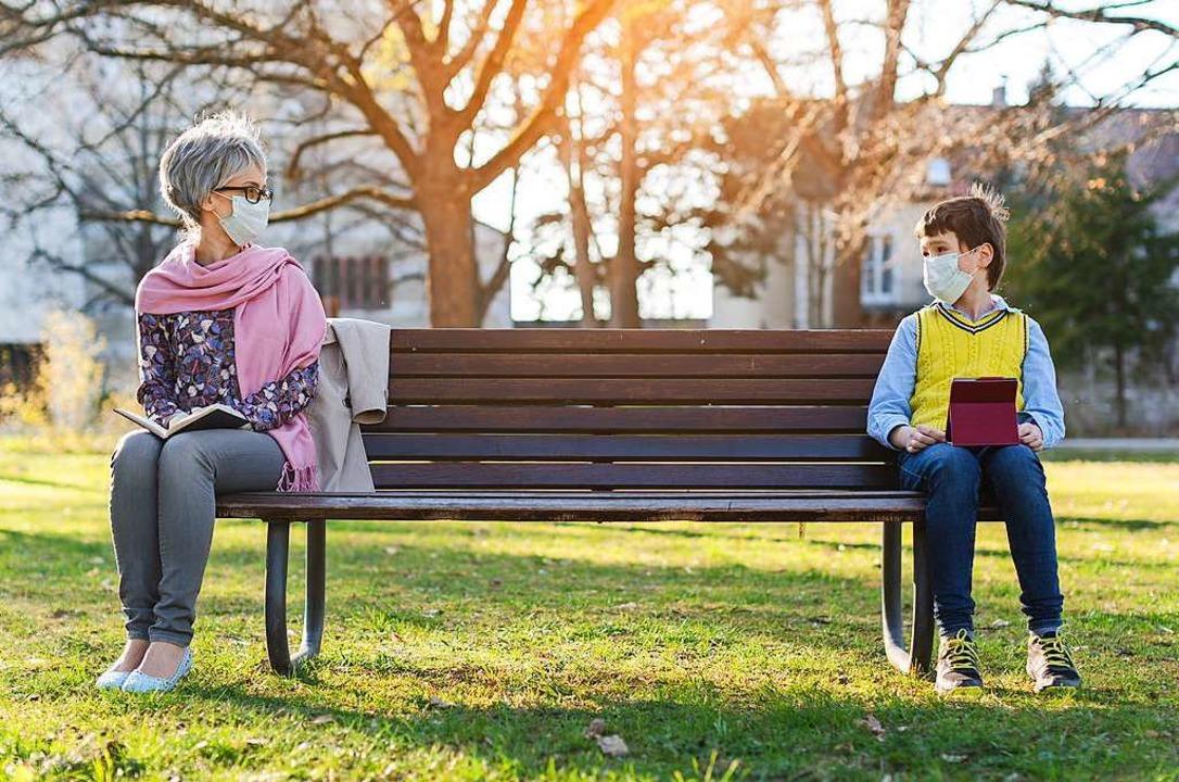 Distanz aufgrund von Corona – da...sungen, um  die Distanz zu überwinden.  | Foto: Kzenon (stock.adobe.com)