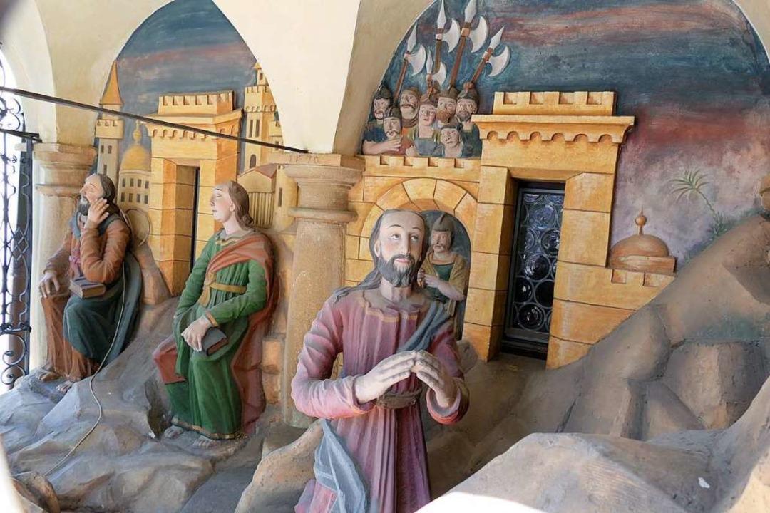 Das Figurenspiel am Kirchenschiff  | Foto: Hans-Peter Müller