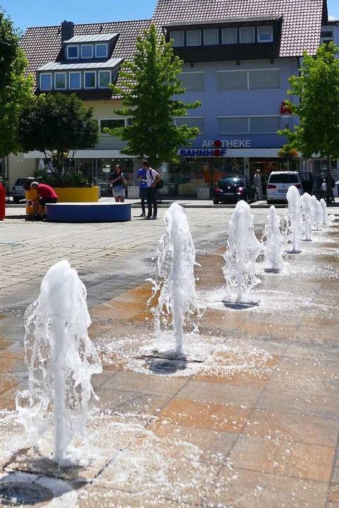 So ähnlich wie am Bahnhofsplatz dürfte...gedachte Wasserspiel einmal ausfallen.  | Foto: Franziska Riepl