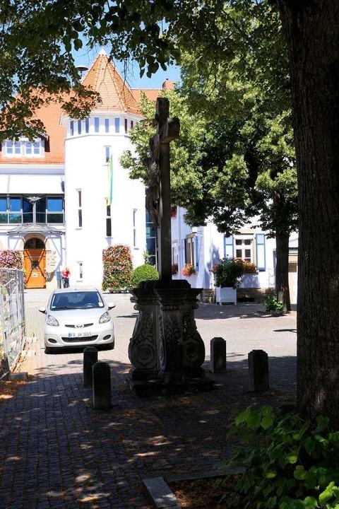 Wird sich verändern: Rathaus- und Kirchplatz in Bad Krozingens Ortsmitte  | Foto: Hans-Peter Müller
