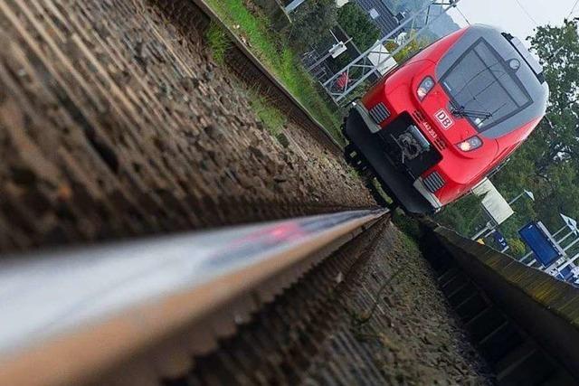 Lücken im Fahrplan bleiben: Neue Züge kommen erst im November