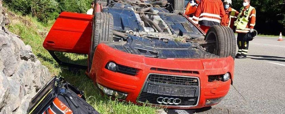 Audi überschlägt sich im Höllental