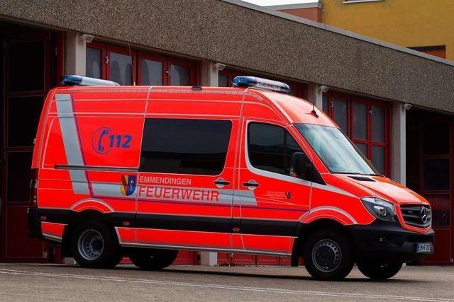 Emmendinger Feuerwehr befreit Kleinkind aus Auto