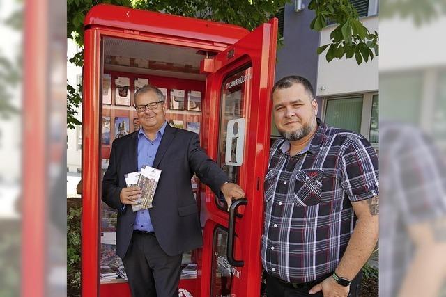 Infos für Touristen in der Telefonzelle