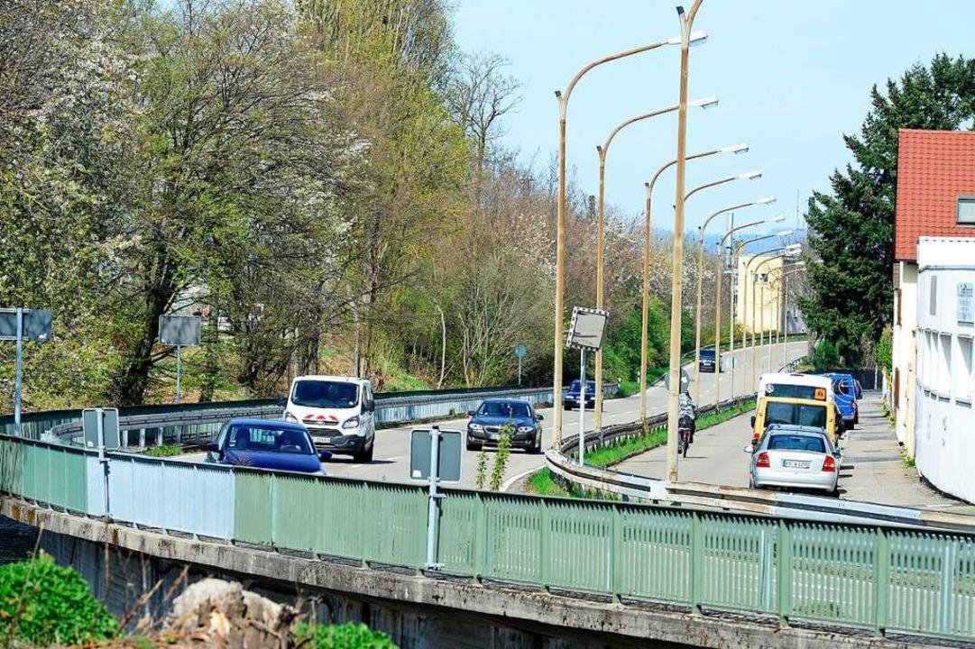 Ein 30-Jähriger hat auf der Isfahanall...er Unfallstelle verloren (Archivbild).  | Foto: Ingo Schneider