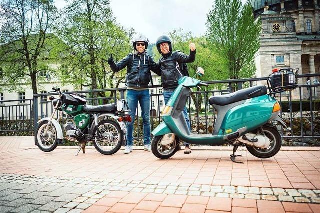 Wie zwei Heitersheimer auf einem Motorroller und einem Moped Deutschland umrunden wollen