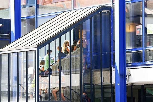 Studierendenwerk Freiburg hat 100 geringfügig Beschäftigte entlassen