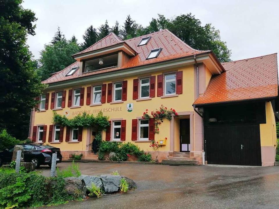 Die Badische Imkerschule in Oberentersbach ist das Herz der badischen Imkerei  | Foto: Winfried Köninger