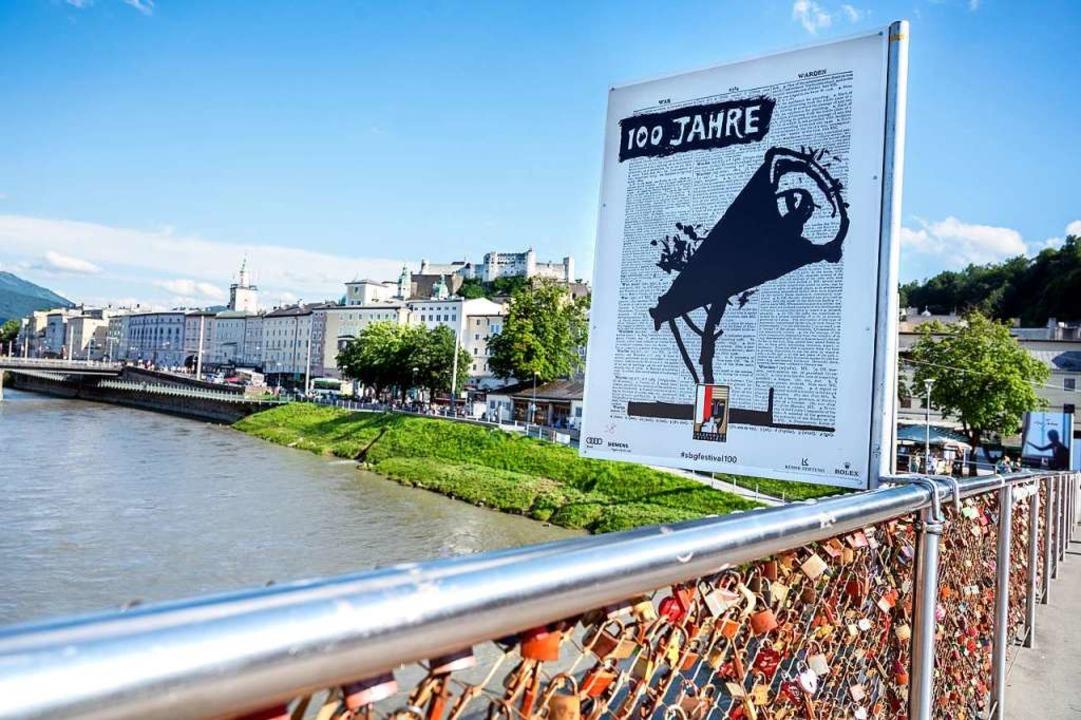 Bescheidener Hinweis auf 100 Jahre Festspiele in Salzburg  | Foto: Luigi Caputo