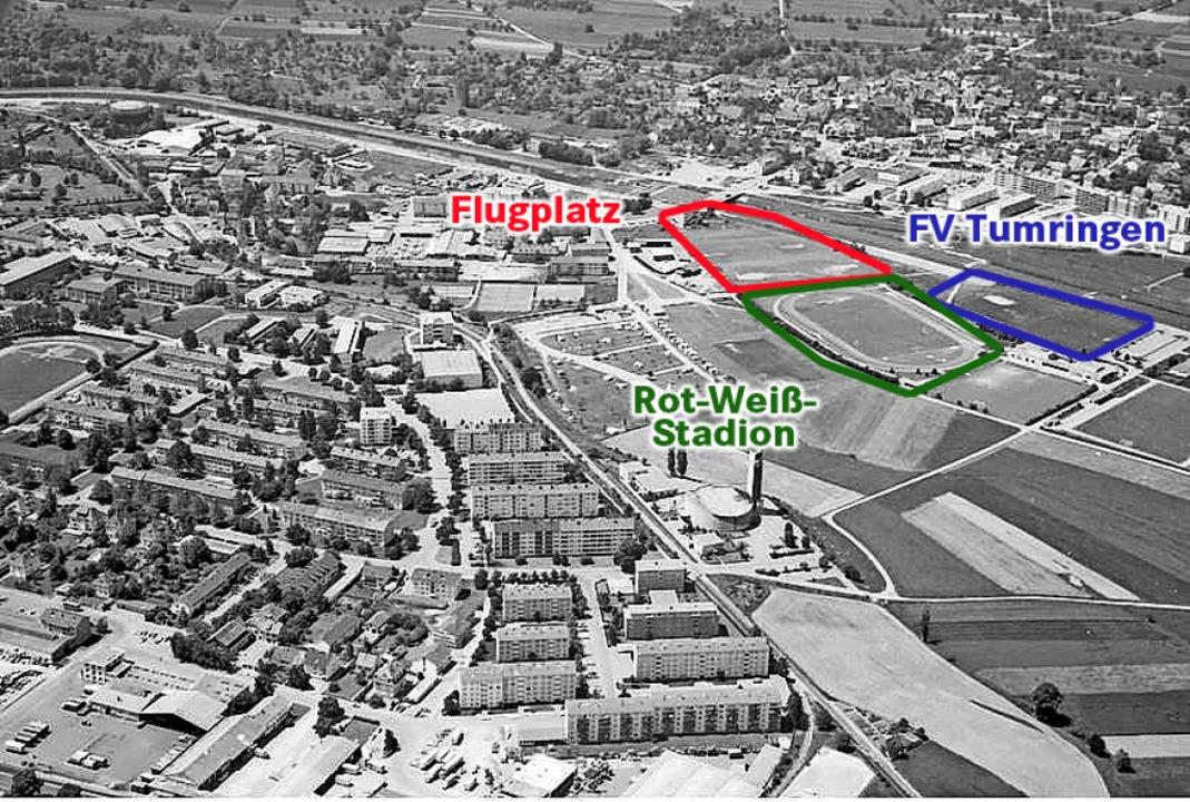 Um 1970 entstand das Neubaugebiet bei ...(Mitte), der Flugplatz blieb nur kurz.  | Foto: Willy Pragher/Signatur W 134 Nr. 097387a