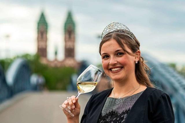 Weinköniginnen bleiben in Folge von Corona ein Jahr länger im Amt
