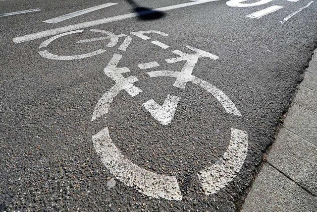 Unbekannte sprühen falsche Piktogramme auf Parkplätze in Freiburg