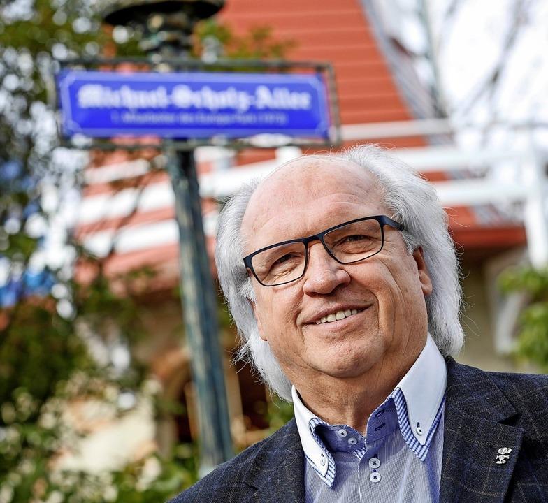 Michael Scholz war der erste Mitarbeit...e Straße nahe dem großen See benannt.   | Foto: Europa-Park