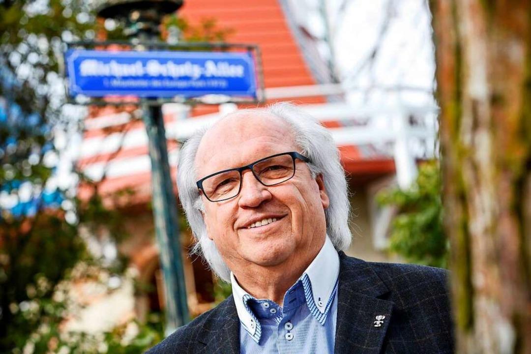 Michael Scholz war der erste Mitarbeit...ne Straße nahe dem großen See benannt.  | Foto: Europa-Park