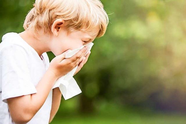 Verschnupfte Kinder dürfen nicht in Kita – Eltern sind verärgert, Arztpraxen überfüllt