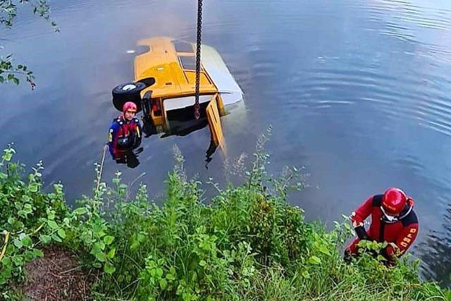 Campingbus rutscht in Kanal: 22-Jährige stirbt in Oberhausen-Rheinhausen
