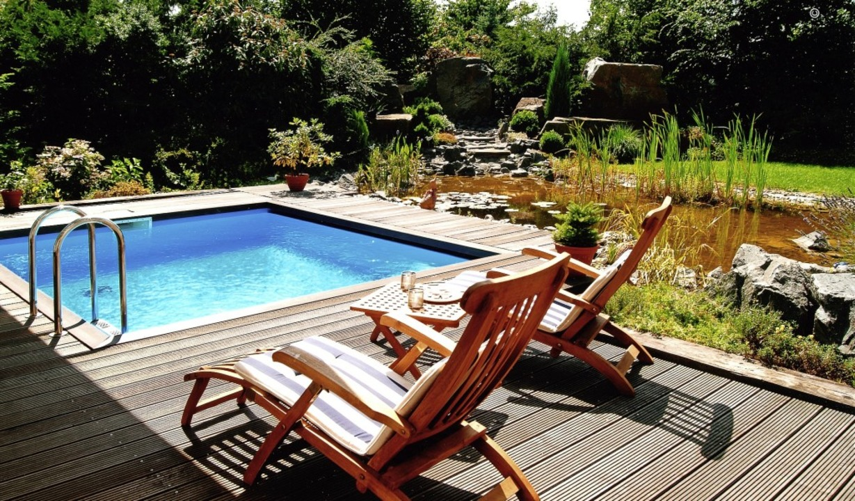 Ein Pool im eigenen Garten ist der Traum so manchen Eigenheimbesitzers.  | Foto: BV Schwimmbad und Wellness