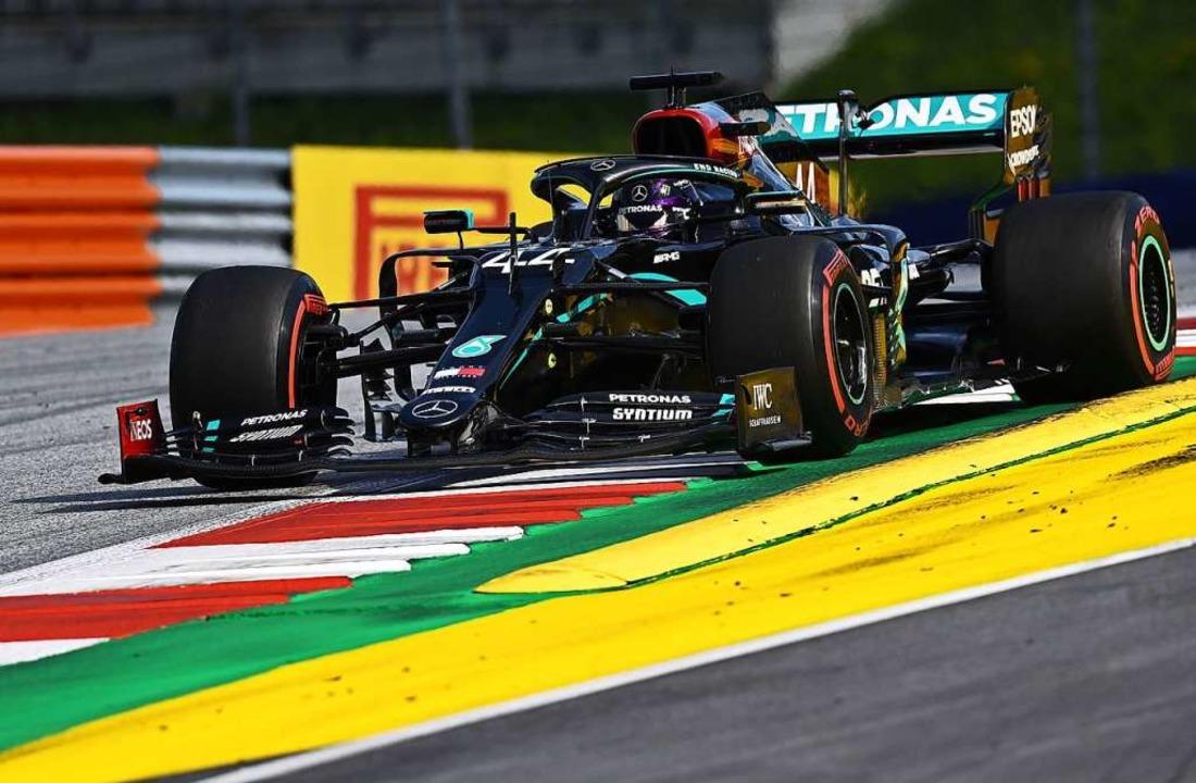 Lewis Hamilton verteidigt seine Führung  | Foto: JOE KLAMAR (AFP)