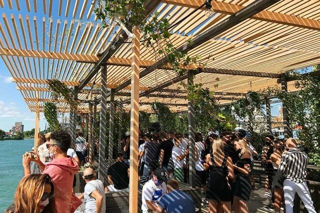 Feiern nur mit Abstand – in Basler Clubs finden wieder Partys statt