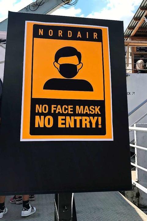 Zutritt nur mit Maske.  | Foto: Bernhard Amelung